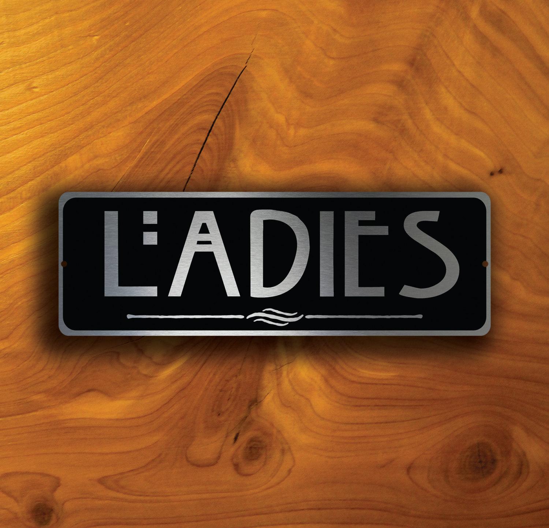 LADIES RESTROOM SIGN
