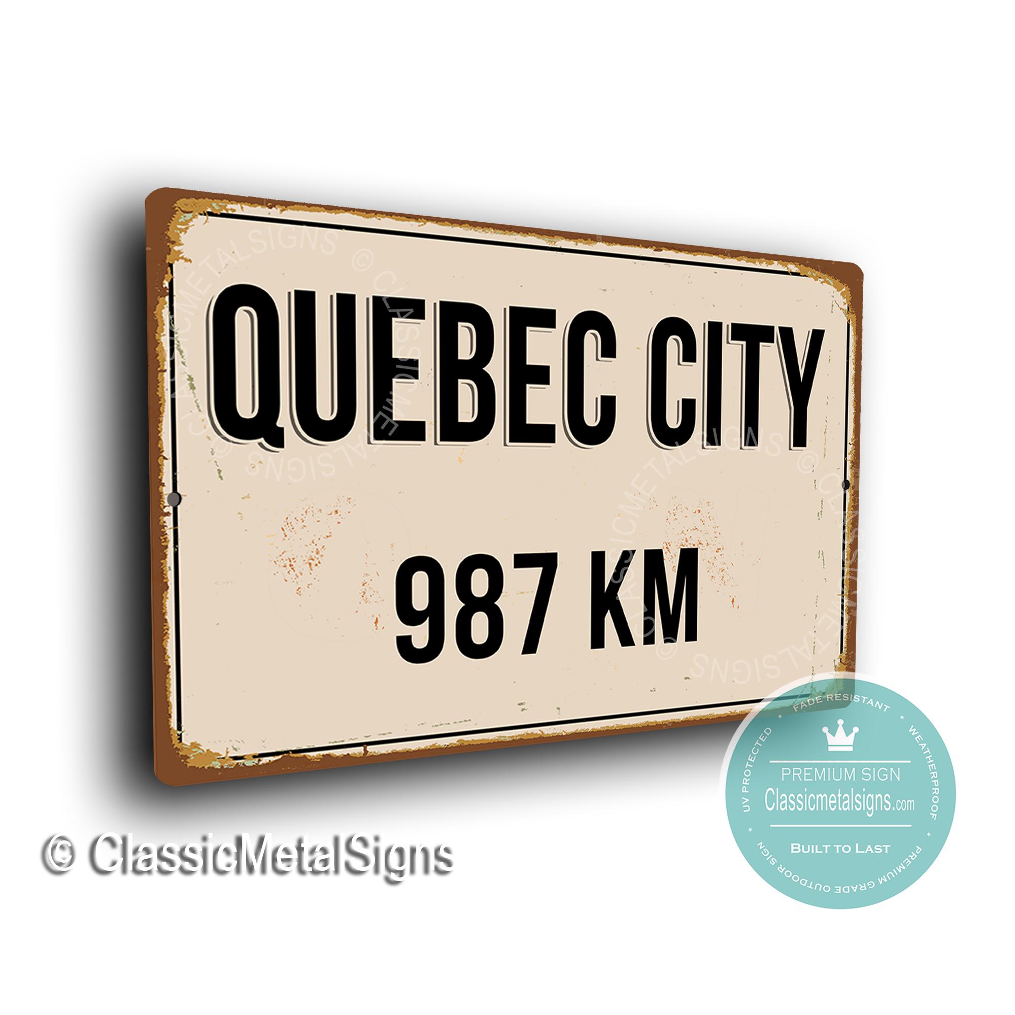Quebec Street Sign